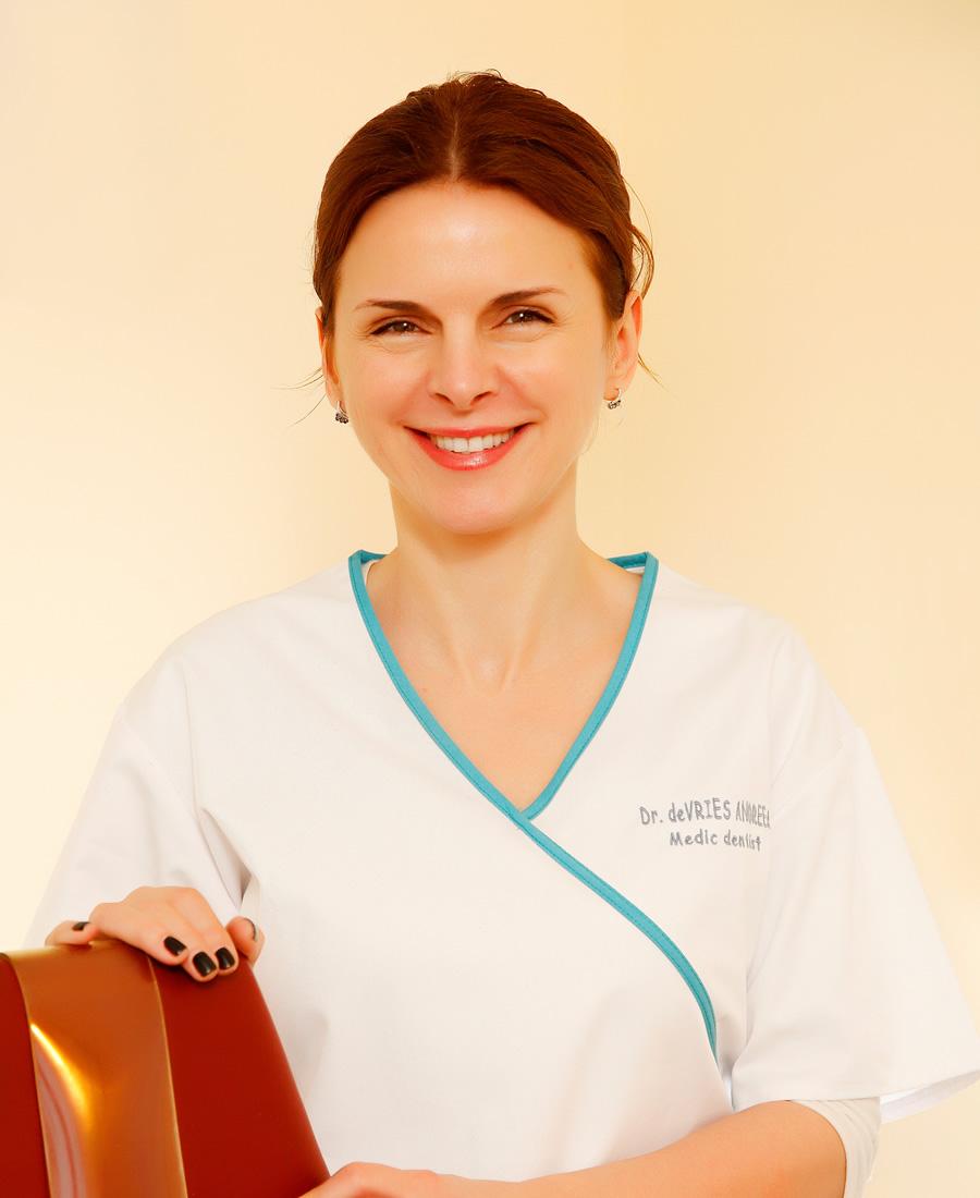 Dr. Andreea de Vries